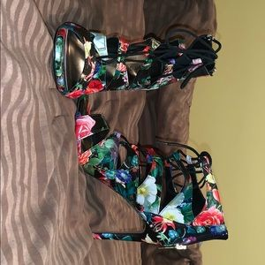 Madden Girl floral heels 7.5